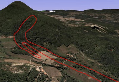 The same area Vimignano of Figure 1 as it appeared in 2003 ( landslide perimeter in red)