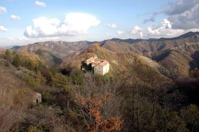 foto: Eremo di Gamogna (Fonte Archivio Parco Vena del Gesso romagnola)