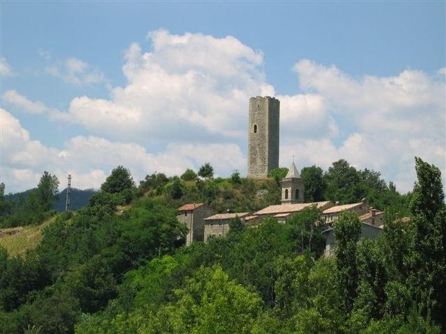 foto: Borgo di Bascio (Fonte Archivio Parco Sasso Simone e Simoncello)