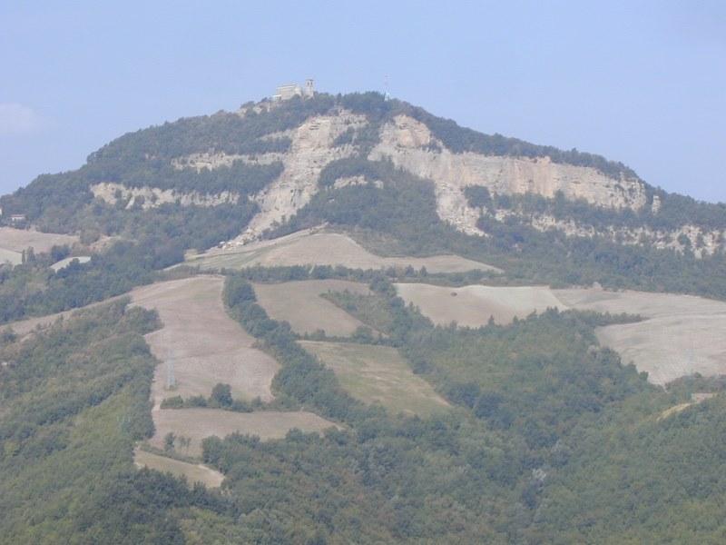 Pianoro (BO), loc. Monte delle Formiche. Crollo in roccia