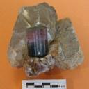 Tormalina, cristallo policromo in Quarzo con Lepidolite