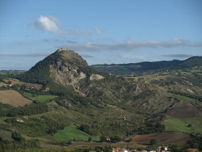 Val Marecchia - La Rocca e i calanchi di Maioletto