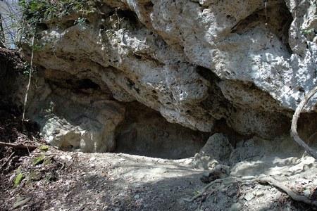 Ingresso di una cavità San Cristoforo di Labante