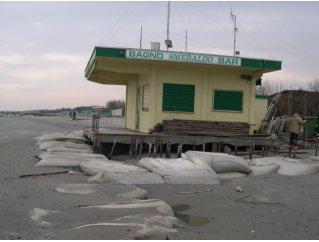 Vulnerabilità e rischio costiero per la presenza di accentuati fenomeni di erosione e di ingressione marina