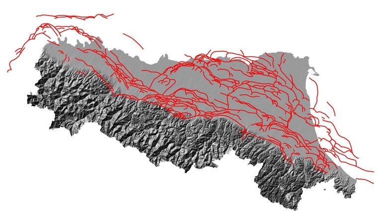 Le principali strutture tettoniche (in rosso) che costituiscono il proseguimento della catena appenninica al di sotto dei sedimenti della Pianura Padana