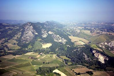 Monte Mauro dalla valle del Sintria (RA) - foto Lucci P.