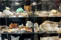 Mario Gallerani dona la sua collezione alla collettività: 272 minerali al 'Museo Giardino Geologico Sandra Forni'