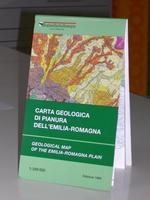 Carta piegata stampata a colori in scala 1:250.000, anno 1999