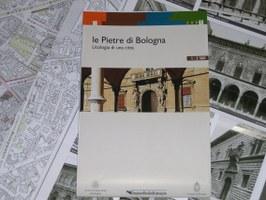 Le pietre di Bologna. Litologia di una città, Carta fronte/retro piegata in scala 1:3.500