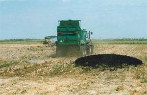 Diminuzione della sostanza organica: Le mutate pratiche agricole degli ultimi decenni hanno aumentato il rischio di perdita di sostanza organica nel suolo