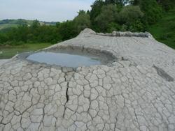 Vulcanetti di fango - Riserva naturale regionale Salse di Nirano (autore MV Biondi)