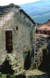 foto: l'antico borgo di Stagno - autore A.Mauri