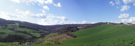 """foto: veduta del Castello di Borzano nel Comune di Albinea"""" (Autore Massimo Domenichini)"""