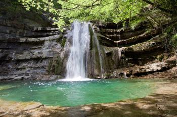 foto: cascata del torrente Lavane (Archivio Parco Foreste Casentinesi)