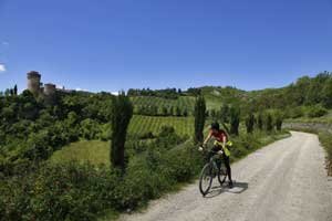 Foto: Ciclovia dei Gessi, presso Brisighella (autore Milko Marchetti)