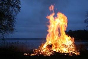 La combustione di residui vegetali dei lavori agricoli e forestali