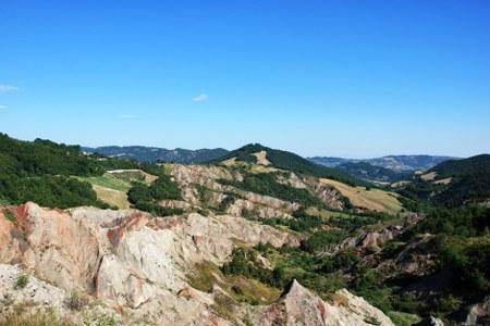Ultimati i lavori di ripristino, riapre il sentiero della cascata del Tassaro nel Paesaggio protetto Collina Reggiana-Terre di Matilde