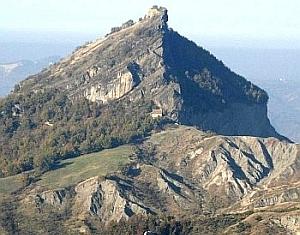 Rupe di Maioletto, alta Valmarecchia. Foto Stefano Bassi, archivio personale