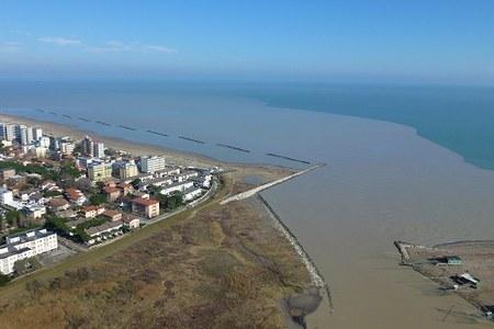 Opere costiere e opere di canalizzazione e di regolazione dei corsi d'acqua: circolare esplicativa  circa la sottoposizione al procedimento di VIA
